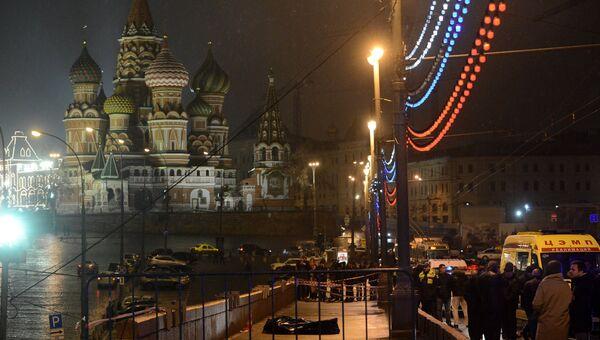 На месте убийства политика Бориса Немцова. Архивное фото