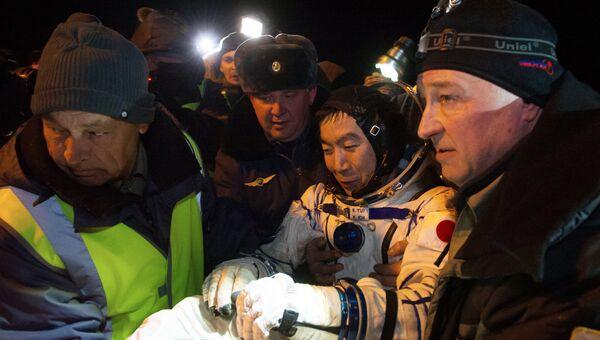 Астронавт основного экипажа 44/45 экспедиции на Международную космическую станцию Кимии Юи (Япония) после приземления спускаемого аппарата Союз ТМА-17М