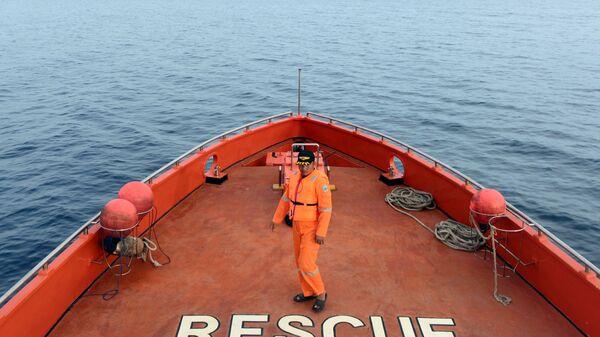 Поисково-спасательные работы на месте крушения парома. Архивное фото