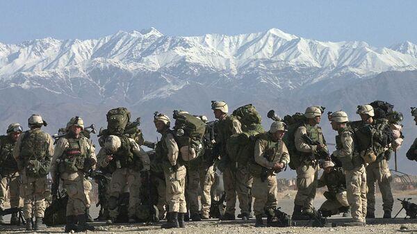 Солдаты армии США на военно-воздушной базе в Афганистане. Архивное фото