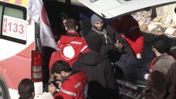 Раненых боевиков вывезли из Сирии в обмен на эвакуацию сотен мирных граждан