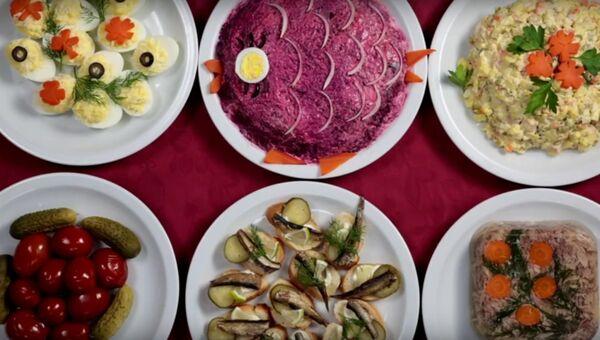 Итальянцы пробуют русскую еду
