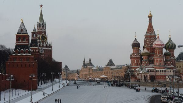 Васильевский спуск и Красная площадь в Москве. Архивное фото