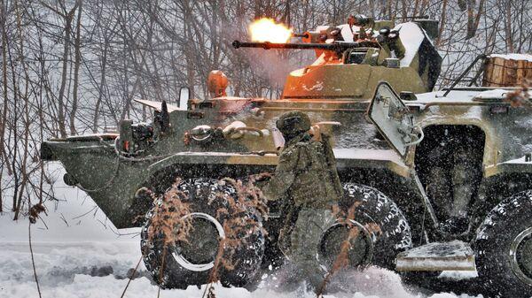 Военнослужащие штурмового батальона инженерных войск РФ во время показных учений во Владимирской области