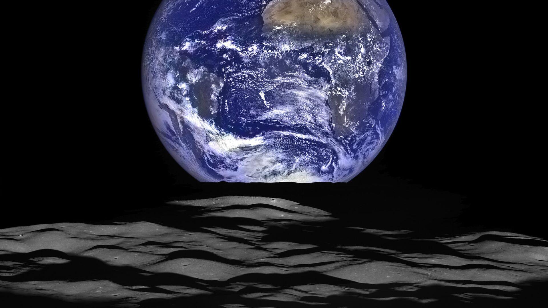 Снимок планеты Земля с орбиты Луны - РИА Новости, 1920, 25.11.2020