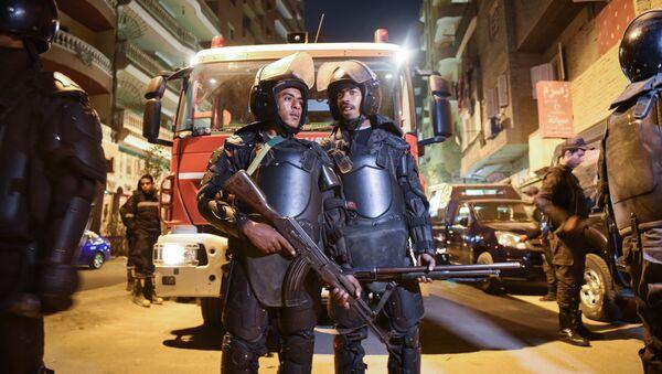 Полицейские на месте взрыва бомбы в Каире. Архивное фото