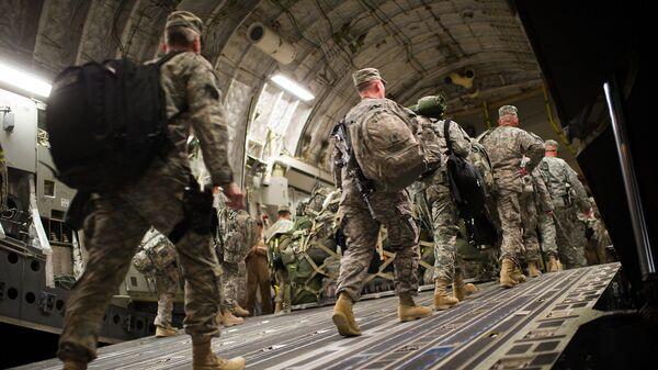 Солдаты армии США покидают военную базу в Ираке. Архивное фото