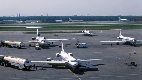 Самолеты в аэропорту Шереметьево-2. Архивное фото