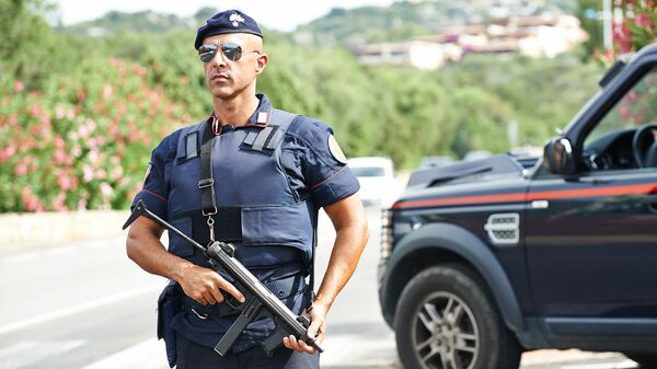 Итальянский полицейский. Архивное фото