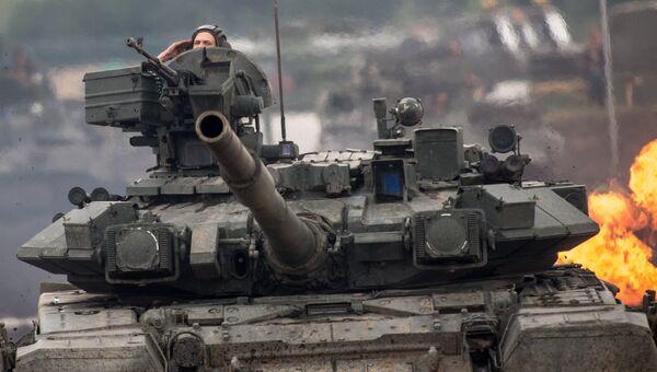 Танк Т-90. Архивное фото