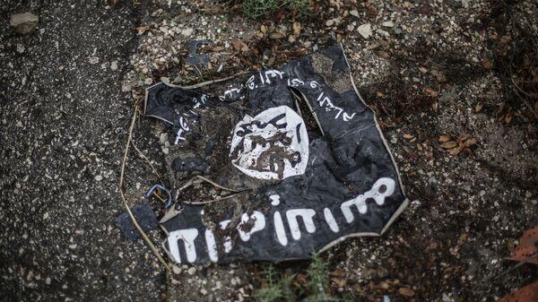 Флаг радикальной исламистской организации Исламское государство. Архивное фото