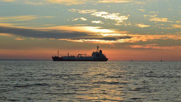 Нефтяной танкер. Архивное фото