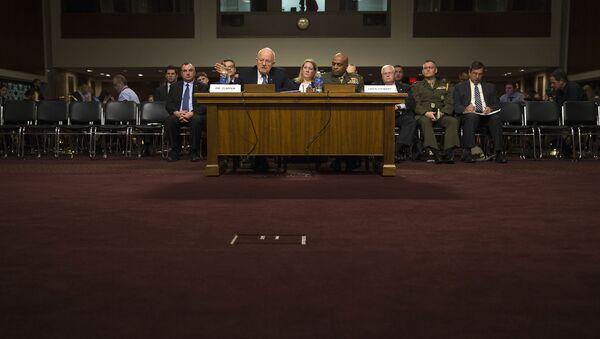 На слушаниях в американском сенате. Архивное фото