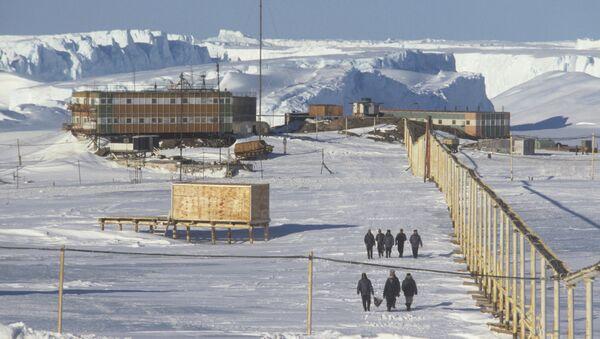 Советская станция Мирный. 34-я Советская Антарктическая экспедиция. Осень 1988 - весна 1989 годов
