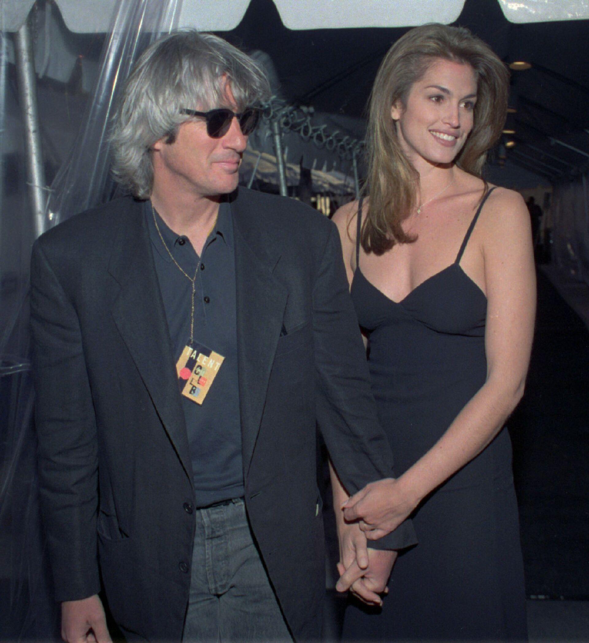 Модель Синди Кроуфорд и актер Ричард Гир в Линкольн-центре в Нью-Йорке, США. 1994 - РИА Новости, 1920, 02.10.2020