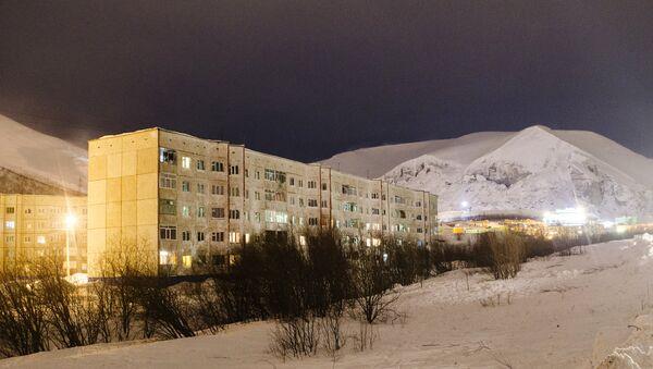 Жилые дома в городе Кировск Мурманской области на которые сошла лавина. Архивное фото
