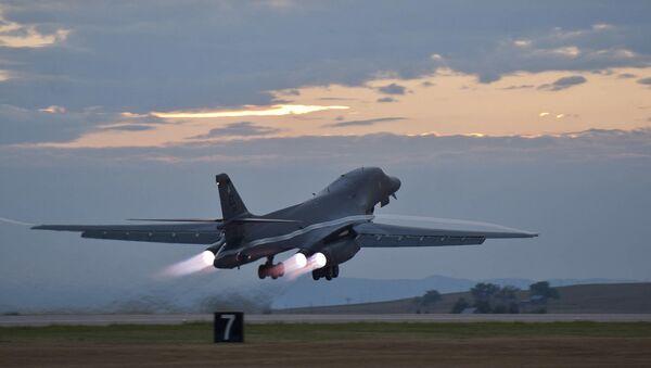 Американский бомбардировщик B-1 на авиабазе Ellsworth. 24 июля 2012