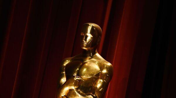 Статуя Оскара в Беверли-Хиллз, Калифорния