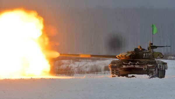 Танк Т-72 на этапе конкурса Танковый биатлон. Архивное фото