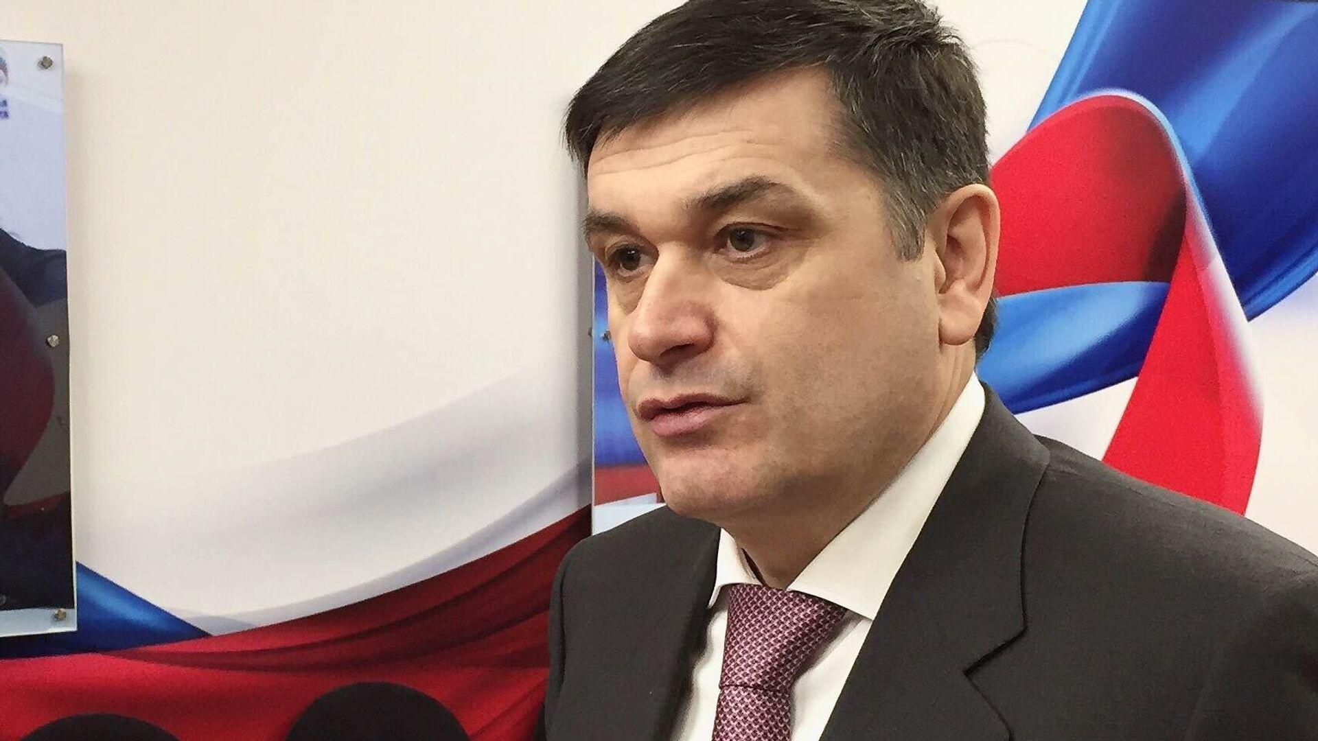 В Совфеде прокомментировали прогноз Суркова об исчезновении парламента