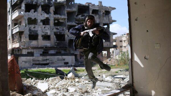 Боевик из группировки Джейш аль-Ислам, Сирия. Архивное фото