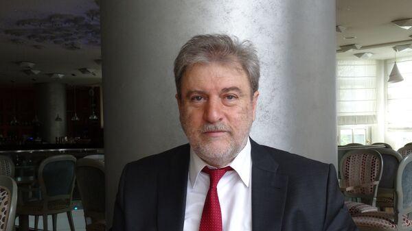 Нотис Мариас