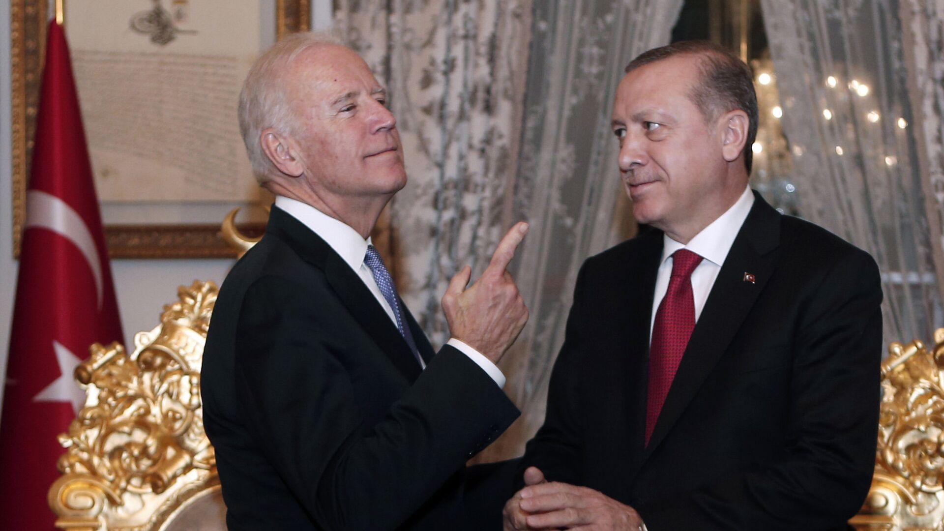 Вице-президент США Джо Байден и президент Турции Тайип Эрдоган - РИА Новости, 1920, 24.09.2021
