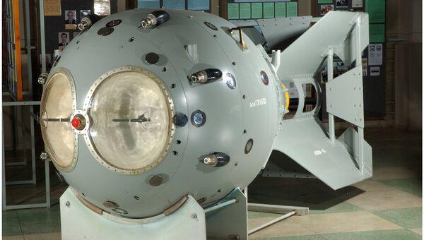 Макет первой советской атомной бомбы РДС-1. Архивное фото