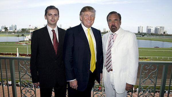 Президент Российско-Американской торговой палаты в США Сергей Миллиан с Дональдом Трампом и с миллиардером Джорджем Пересом