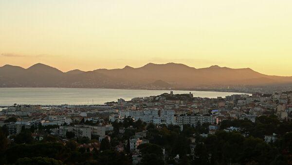 Вид на город Канны с виллы Доберг