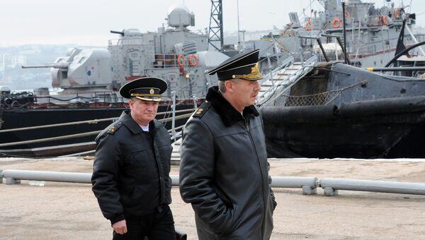 Командующий Черноморским флотом России адмирал Александр Витко в Севастополе. Архивное фото