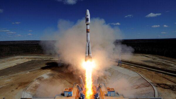 Старт ракеты-носителя Союз-2.1а с тремя российскими спутниками Ломоносов, Аист-2Д и SamSat-218 с космодрома Восточный. Архивное фото