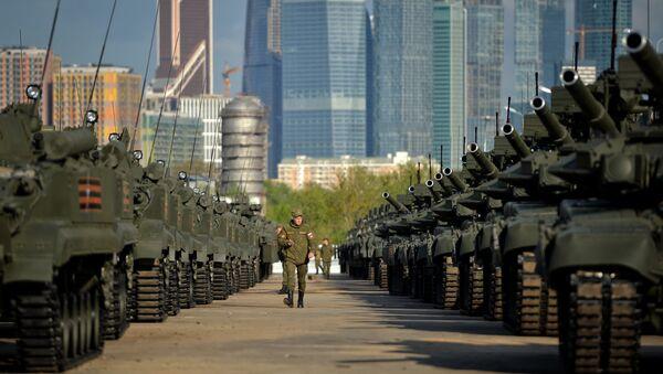 Ночная репетиция военного парада на Красной площади. Архивное фото