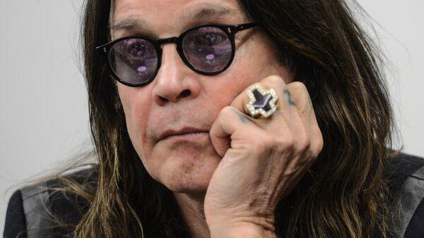 Вокалист британской рок-группы Black Sabbath Оззи Осборн, архивное фото