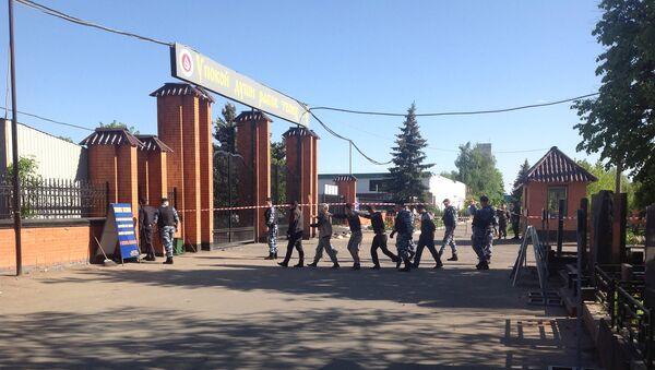 Массовая драка на Хованском кладбище в Москве. Архивное фото
