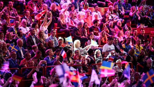 Зрители во время финала Евровидения-2016