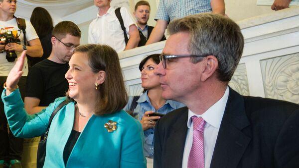 Заместитель госсекретаря США по вопросам Европы и Евразии Виктория Нуланд и чрезвычайный и полномочный посол США в Украине Джеффри Пайетт