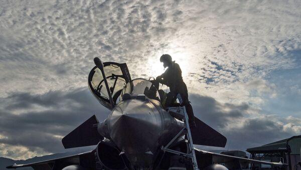 Истребитель НАТО во время учений. Архивное фото