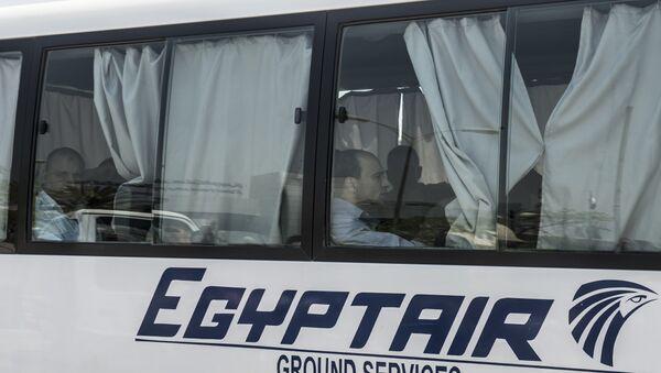Родственники пассажиров самолета EgyptAir MS804. Архивное фото