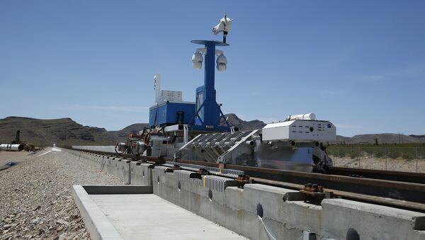 Вакуумный поезд Hyperloop One. Архивное фото