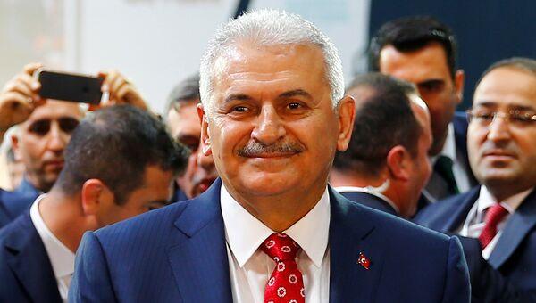 Бинали Йылдырым избран новым председателем правящей партии Турции