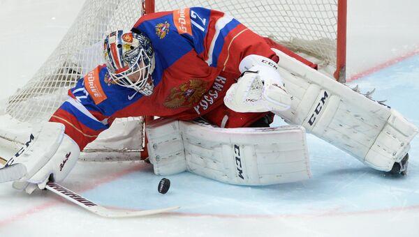 Вратарь сборной России Сергей Бобровский в матче за третье место чемпионата мира по хоккею между сборными командами России и США
