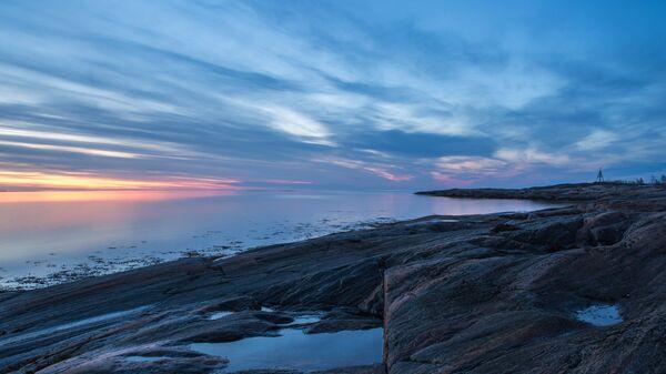 Белые ночи над островами Белого моря в Беломорском районе Республики Карелия. Архивное фото