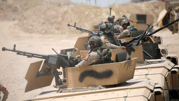Военная техника армии Ирака в окрестностях города Эль-Фаллуджа, Ирак. 23 мая 2016