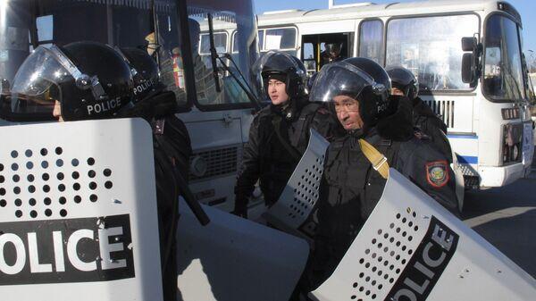 Сотрудники правоохранительных органов в Казахстане. Архивное фото