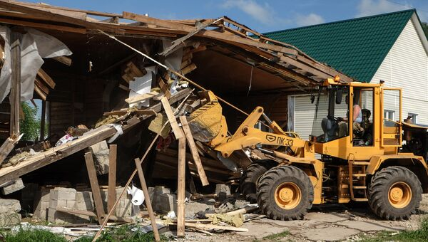 Снос незаконно установленных построек в поселке Плеханово в Тульской области