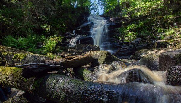 Водопад на реке Кулисмайоки в Питкярантском районе Карелии. Архивное фото