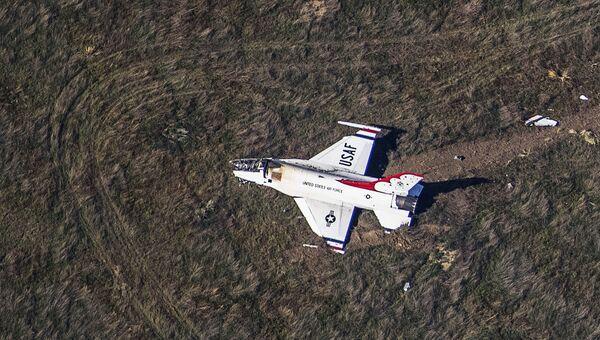 Американский военный самолет F-16 потерпел крушение в Колорадо-Спрингс