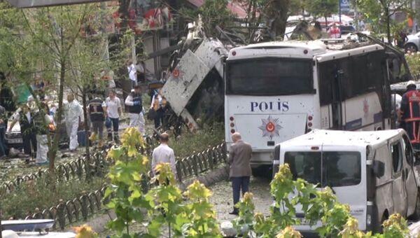 Кадры с места взрыва у автобусной остановки в центре Стамбула