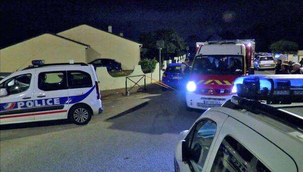 На месте нападения на сотрудника полиции под Парижем
